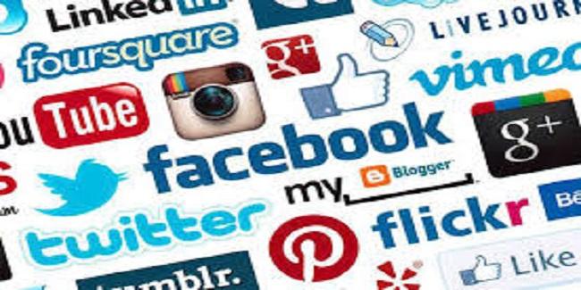 Formation Réseaux Sociaux - Comprenez et Appréhendez les Réseaux Sociaux pour Développer Votre Activité, Recruter et fidéliser vos clients